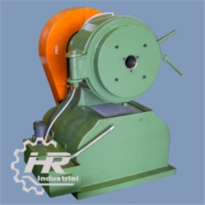 The swaging machine: Our offered Swaging Machine is commonly used on pre-drawing process for metal tubes and rods. Its rotary mechanism simply redu...